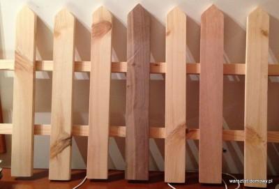 2013 06 003 400x271 Płotek z kolorowego drewna na prezent ślubny