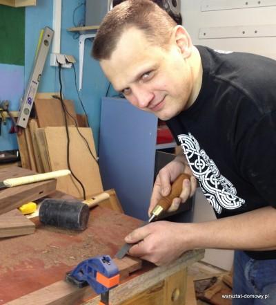 2014 01 26 22.29.57 400x441 Relacja z budowy stołka warsztatowego   dzień drugi #SSBO