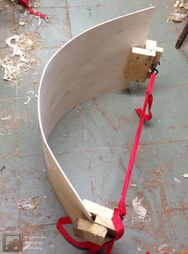 2014 10 19 20.29.34 370x500 Półokrągły stojak na drewno kominkowe   cz. 1